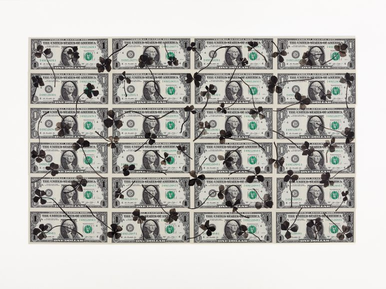 Painting on banknotes